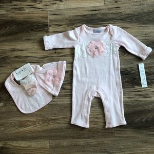 New! Nicole Miller Baby Girl 4-Piece Set (pink)